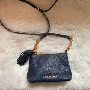 MICHAEL KORS Logo Tassel Chain Crossbody Bag